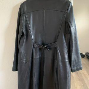 Jones New York leather trench coat thigh length